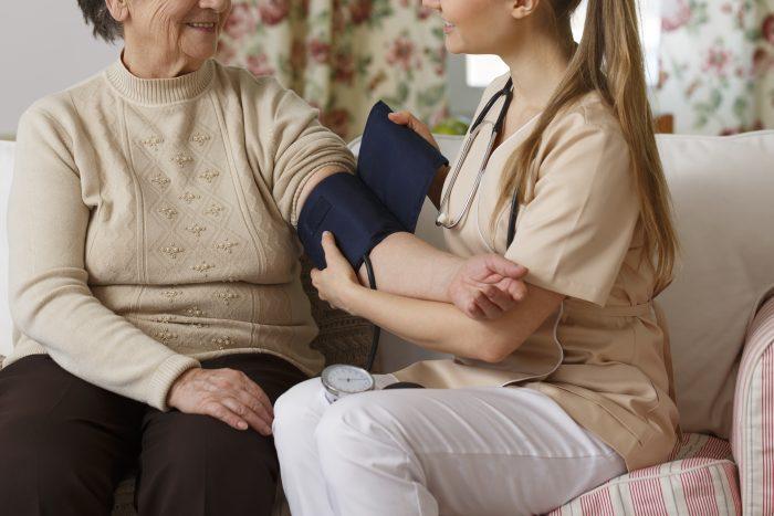 Foyer pour personnes âgées avec unité de soins infirmiers et surveillance tous les jours, 24 heures sur 24 situé à Saint-Hyacinthe en Montérégie - La Maison d'Elohim Résidence St-Hyacinthe
