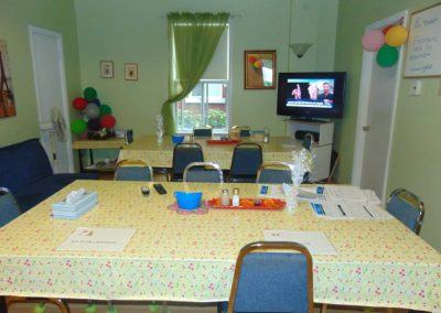 Table fête personnes âgées à Longueuil - La Maison d'Elohim Résidence St-Hyacinthe
